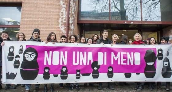 """FESTA DELLE DONNA 8 MARZO LO SLOGAN """"NON UNA DI MENO"""""""