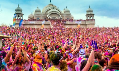 HOLI FESTIVAL IN INDIA LA FESTA DEI COLORI