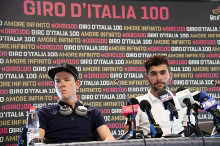 Foto LaPresse - Gian Mattia D'Alberto 04/05/2017 Alghero (Italia) Sport Ciclismo Giro d'Italia 2017 - 100a edizione -  Conferenza stampa libro Quickstep Nella foto: Bob Jungels, Fernando Gaviria Photo LaPresse - Gian Mattia D'Alberto May 04, 2017 Alghero( Italy )  Sport Cycling Giro d'Italia 2017 - 100th edition  Quickstep press conference In the pic: Bob Jungels, Fernando Gaviria