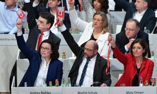 GERMANIA VOTA SÌ AL GOVERNO CON MERKEL