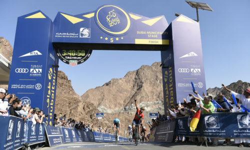 Sonny Colbrelli vince la Fase 4, la Dubai Municipality Stage, del Dubai Tour Elia Viviani difende la maglia azzurra