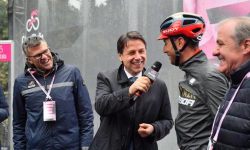 IL PRESIDENTE DEL CONSIGLIO ITALIANO AL VIA DELLA TAPPA 5 DEL GIRO D'ITALIA