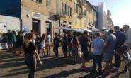 GRANDE SUCCESSO A MILANO PER L'INIZIATIVA PAY WITH PLASTIC DI CORONA