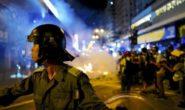 HONG KONG: POLIZIA CONTRO I MANIFESTANTI, SALE LA TENSIONE DOPO MARCIA PACIFICA